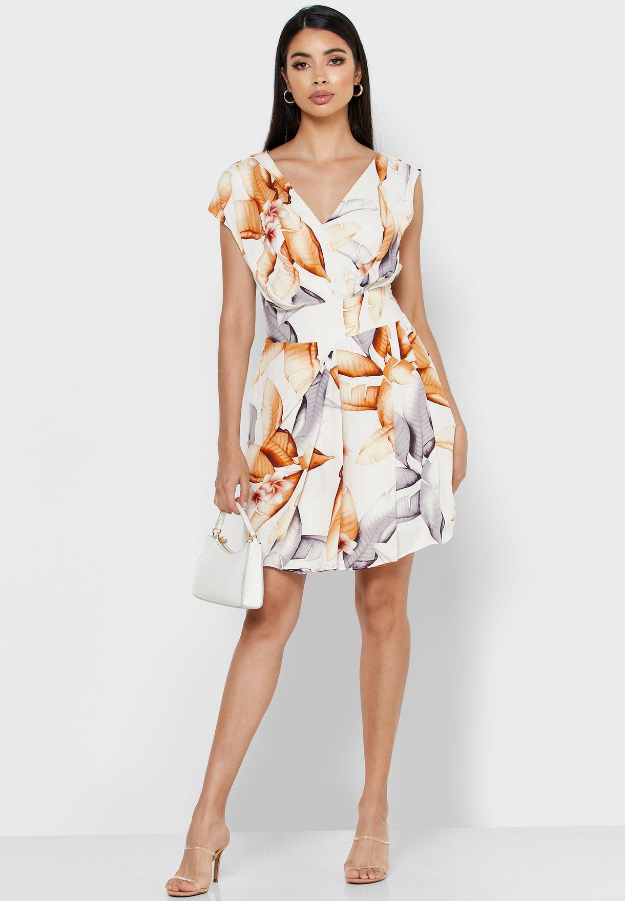 فستان بطباعة ورق شجر