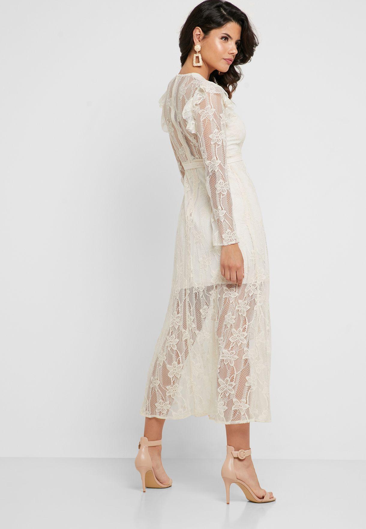 فستان دانتيل بأكمام طويلة