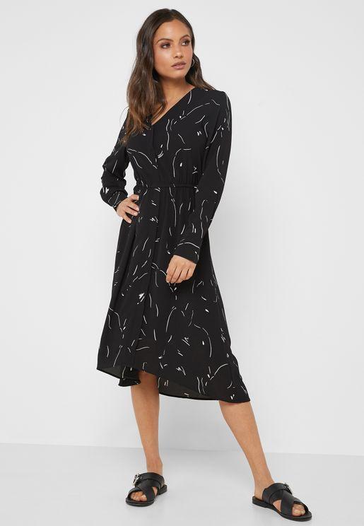 فستان مطبع بأكمام طويلة