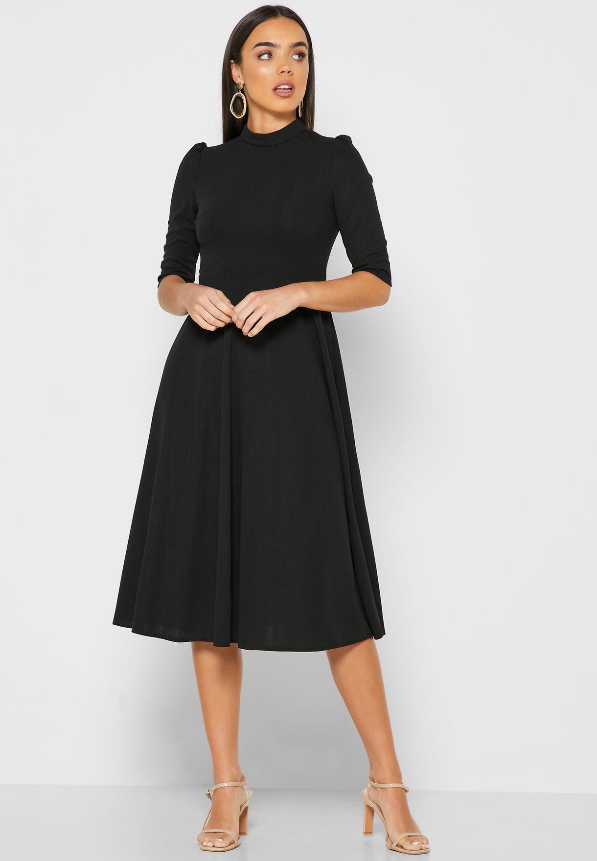 فستان ميدي بياقة عالية