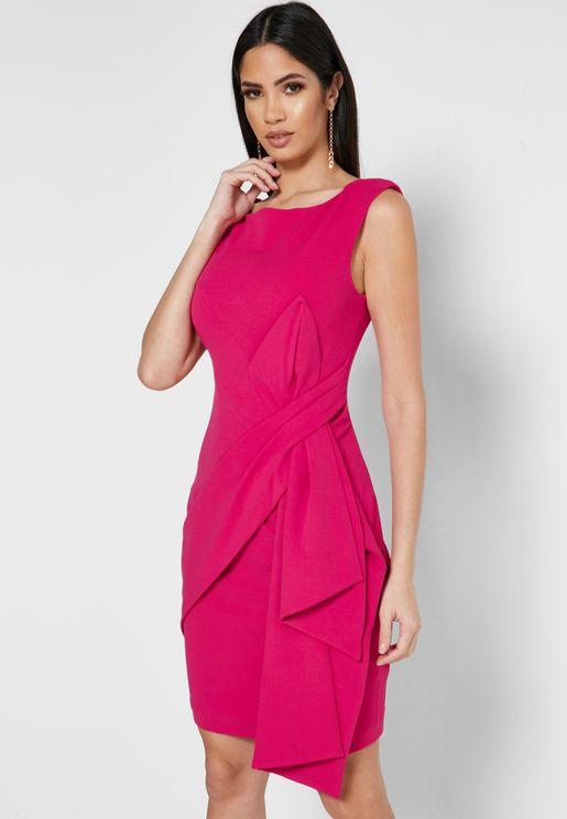 فستان مزين بعقدة امامية