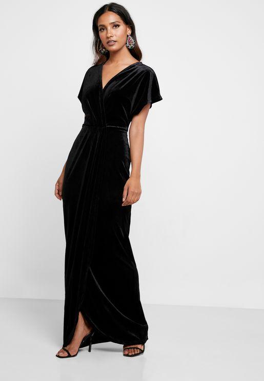 فستان من المخمل