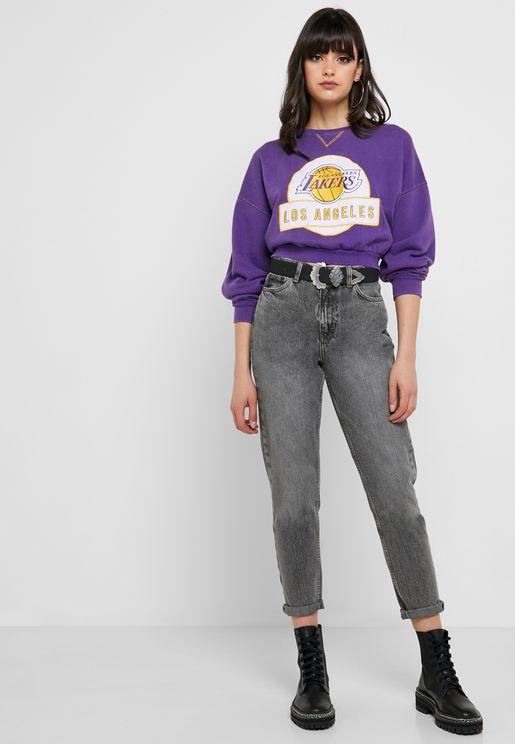 جينز قصير بخصر مرتفع