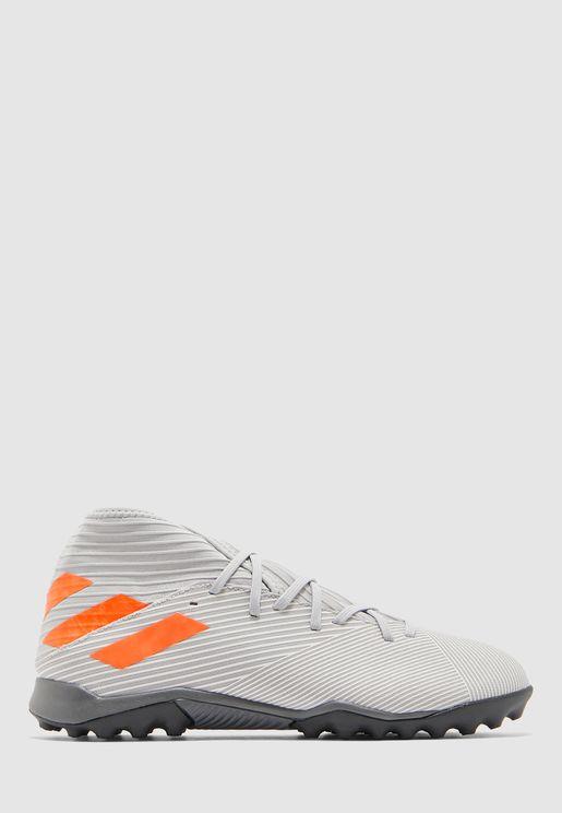 حذاء نيميزيز 19.3 تي أف