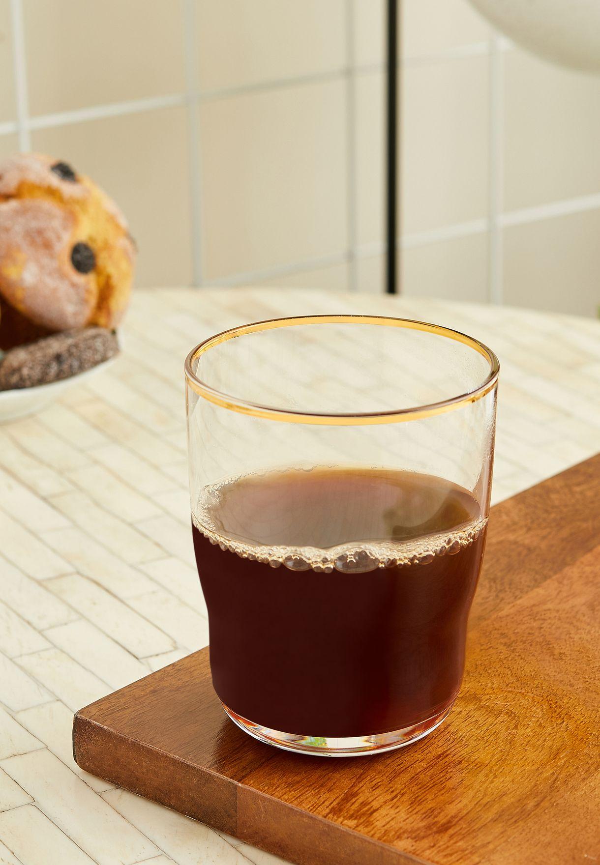 كأس مياه زجاجي