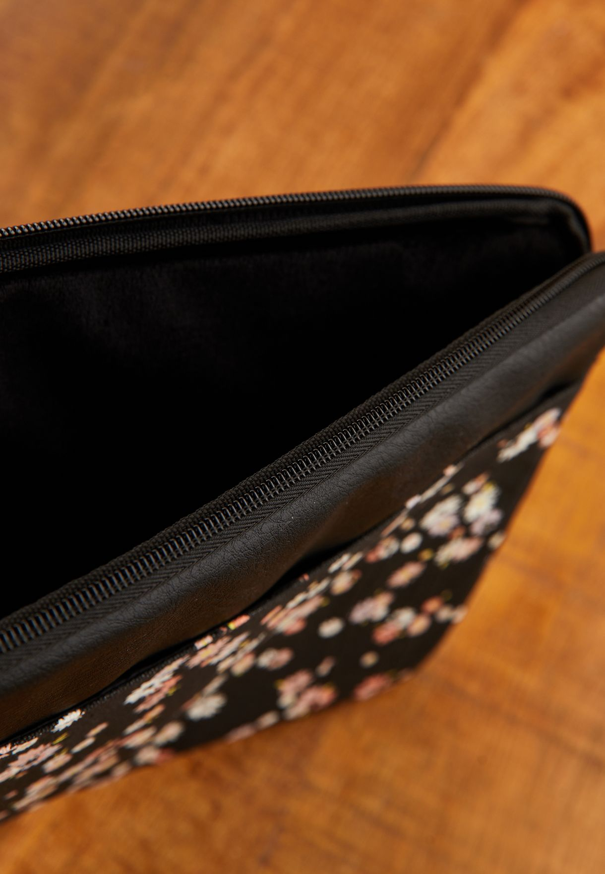"""13"""" Dolly Daisy Take Charge Laptop Case"""