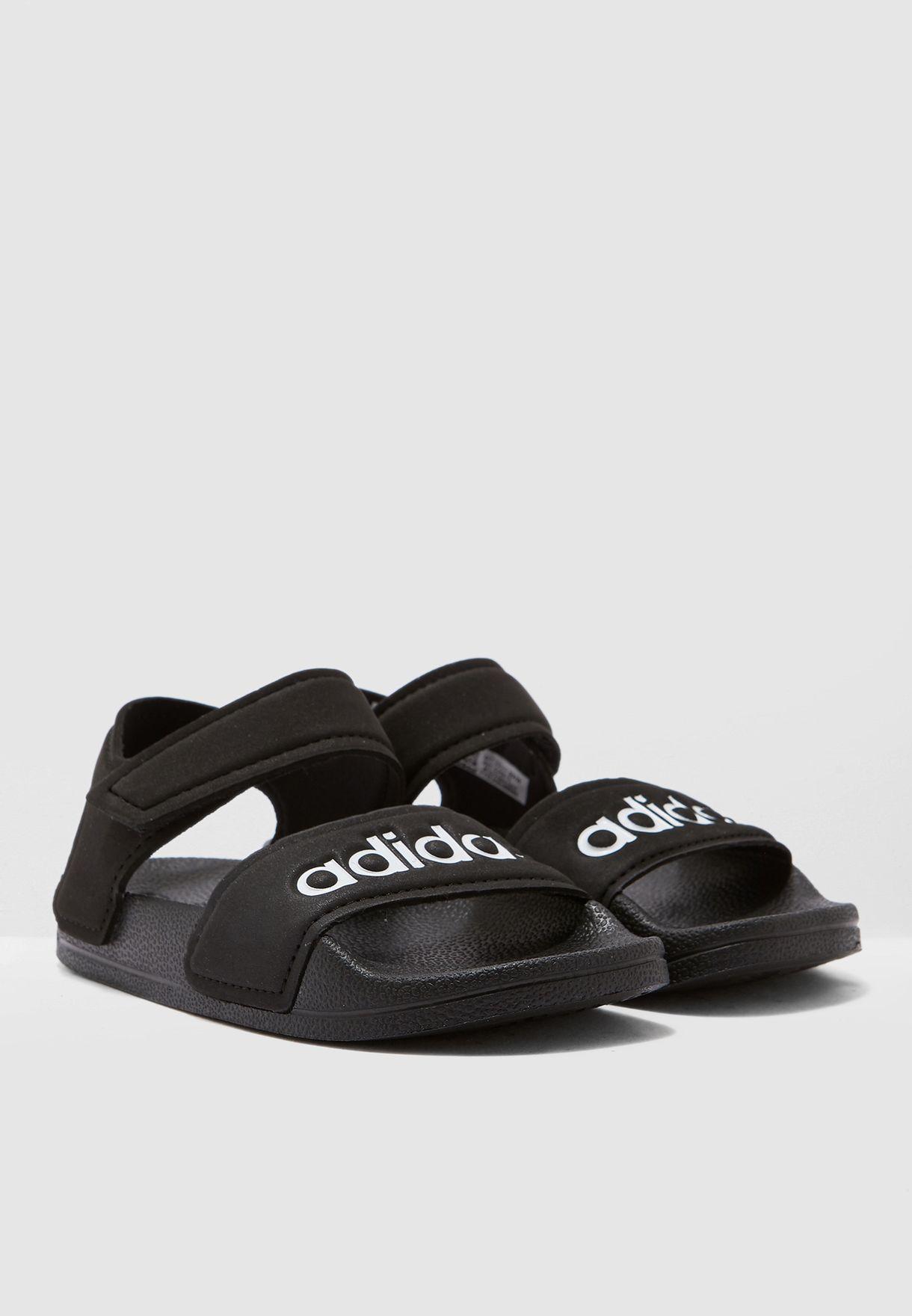 حذاء Adilette