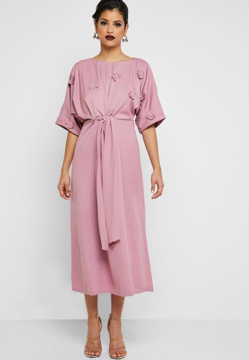 46af4691157 Floral Applique Belted Dress