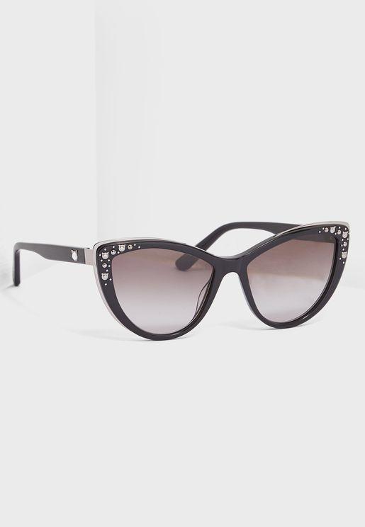 نظارة شمسية بنمط عين القط ومزينة بدبابيس