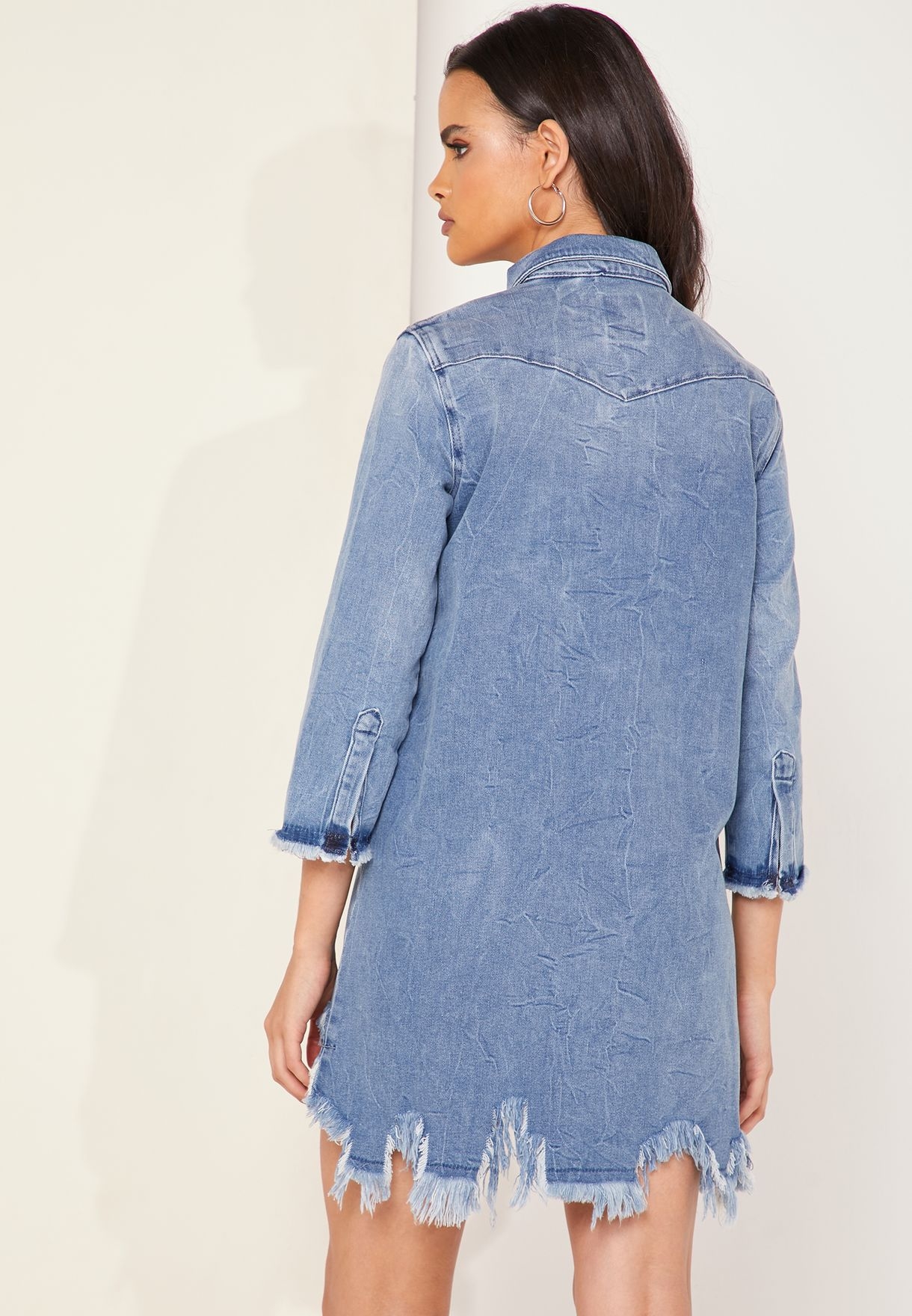 فستان جينز بحافة متباينة الطول