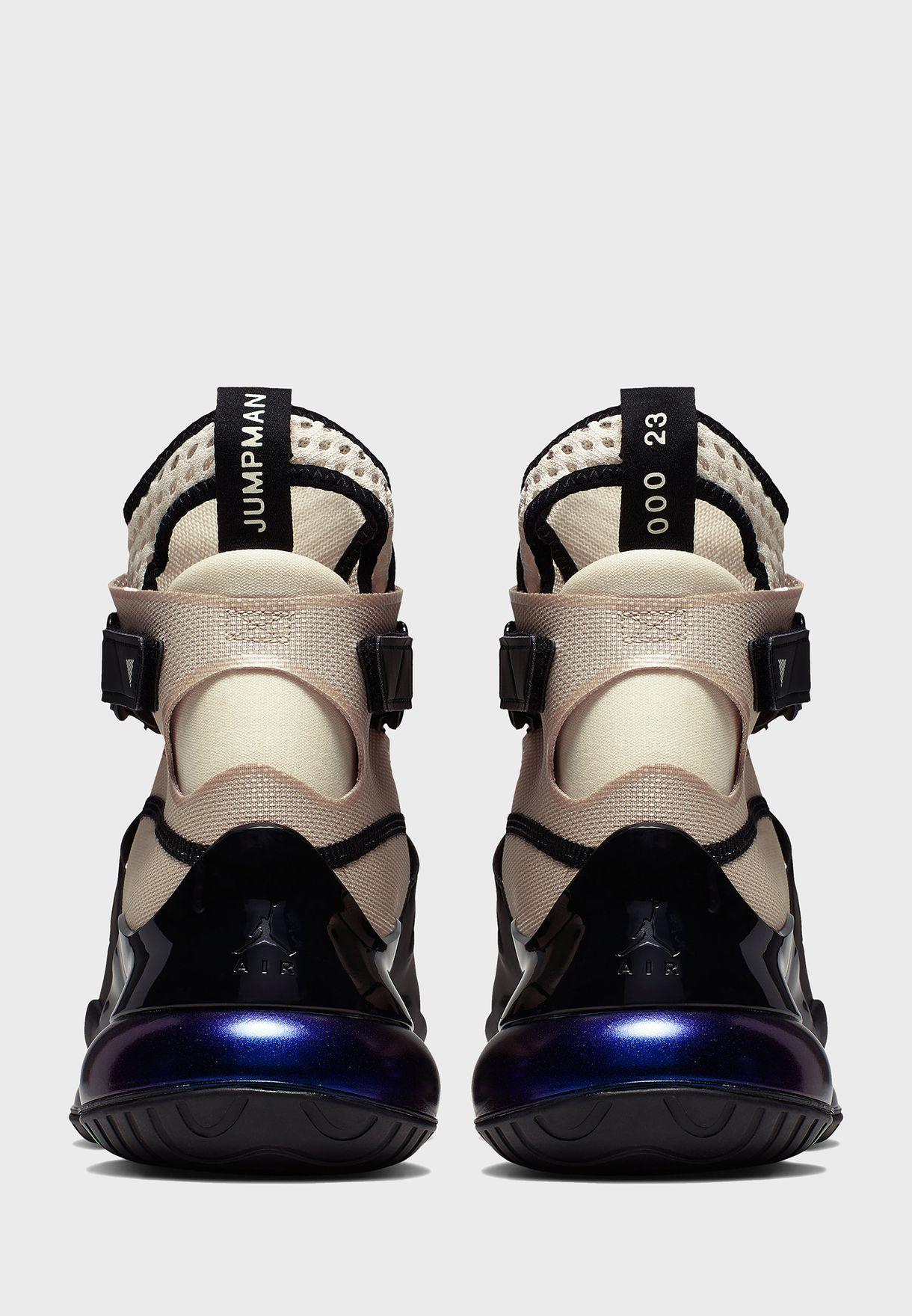 حذاء جوردان اير لاتيتود