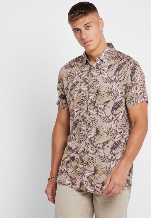 قميص بطبعات زهور