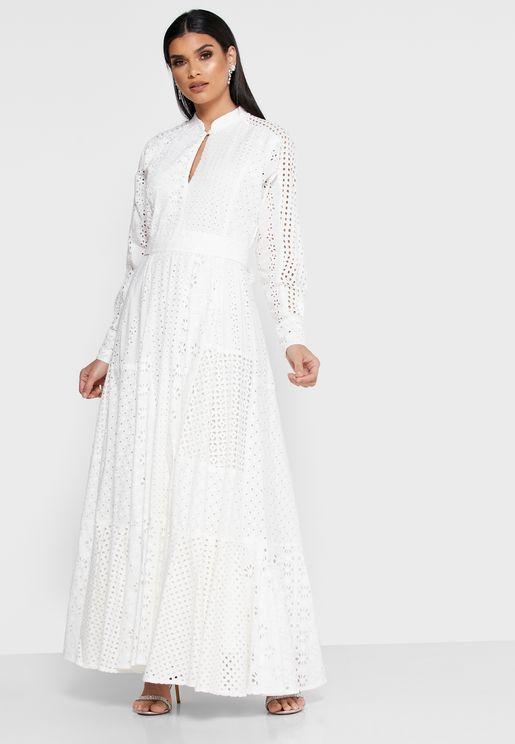 فستان دانتيل بفتحة كي هول