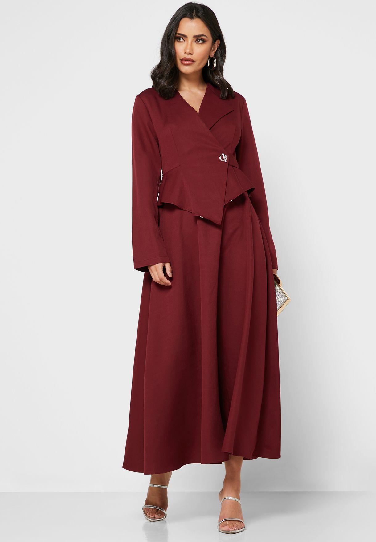 فستان بنمط بيبلوم