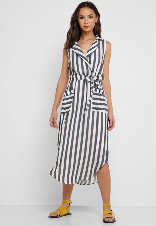 فستان بأربطة وطبعات خطوط