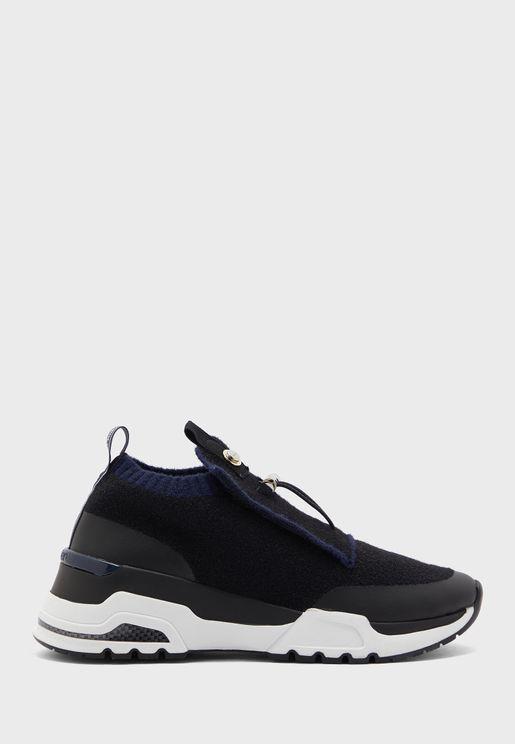 Hue Low Top  Sneaker