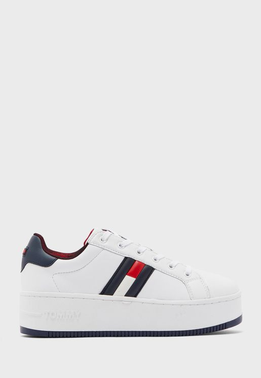 Iconic Low Top Sneaker