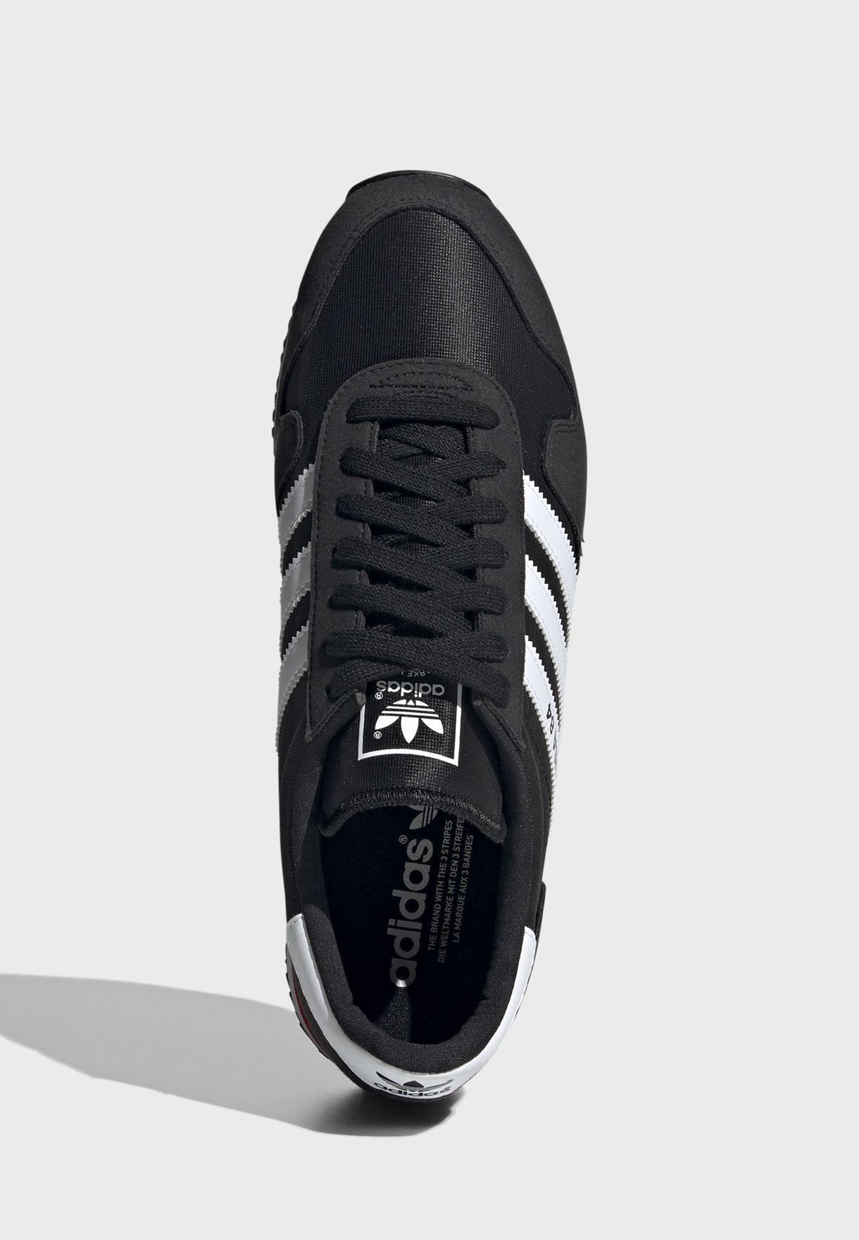 حذاء يو إس إيه 84