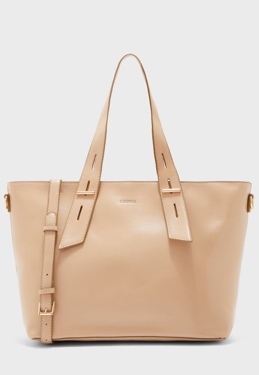 Zipped Central Closure Tote