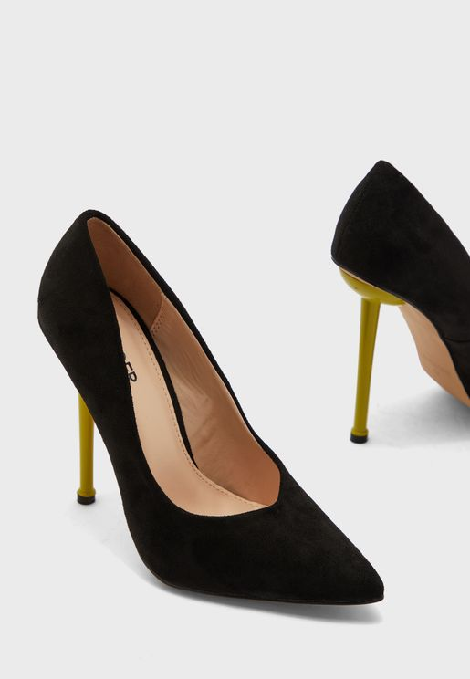 Pointed toe pump with contrast heel