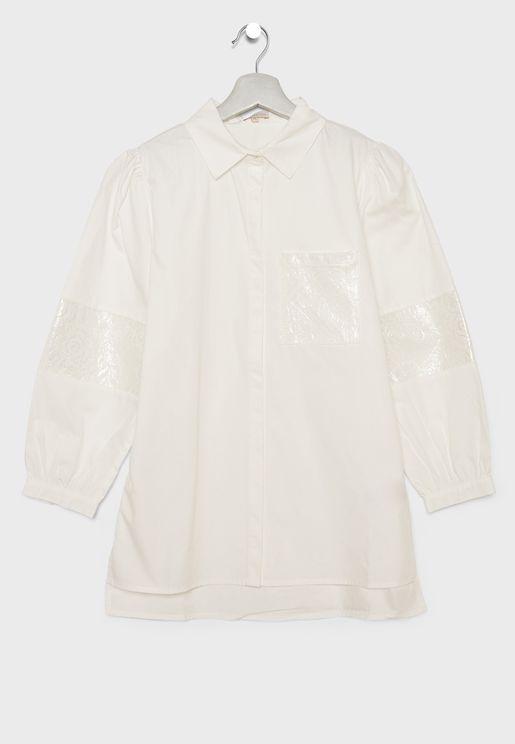 قميص بتداخل دانتيل