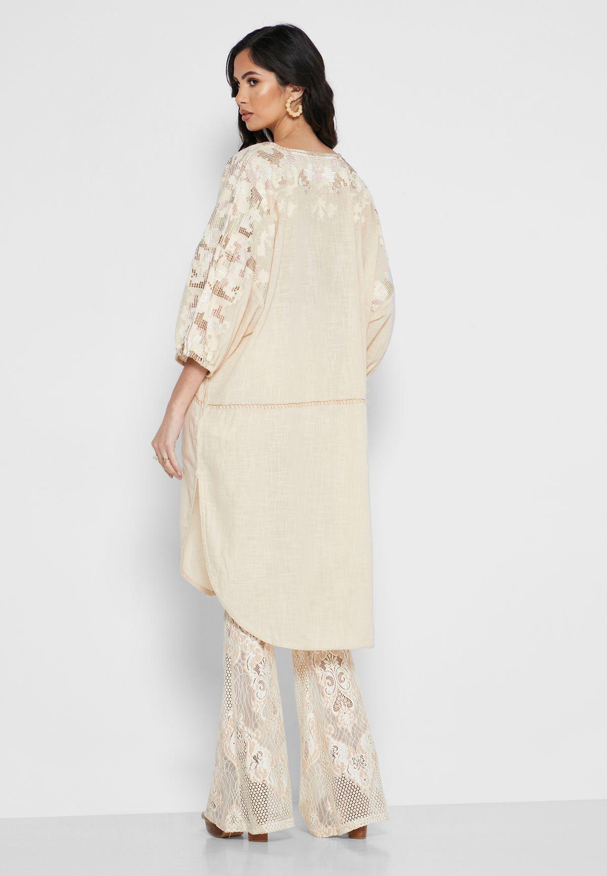 فستان باكمام منفوشة
