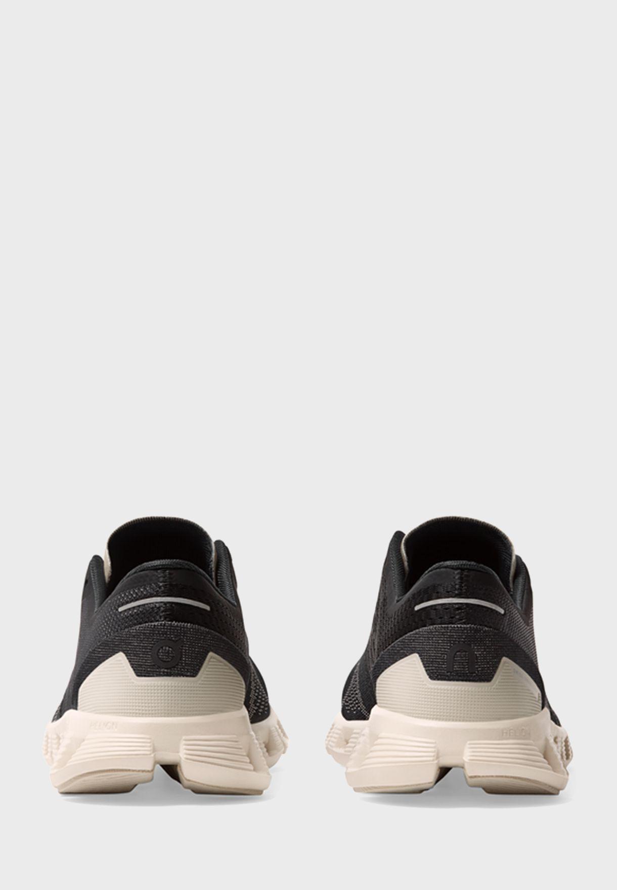 حذاء كلاود اكس