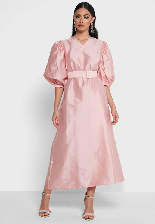فستان ميدي باكمام منفوشة
