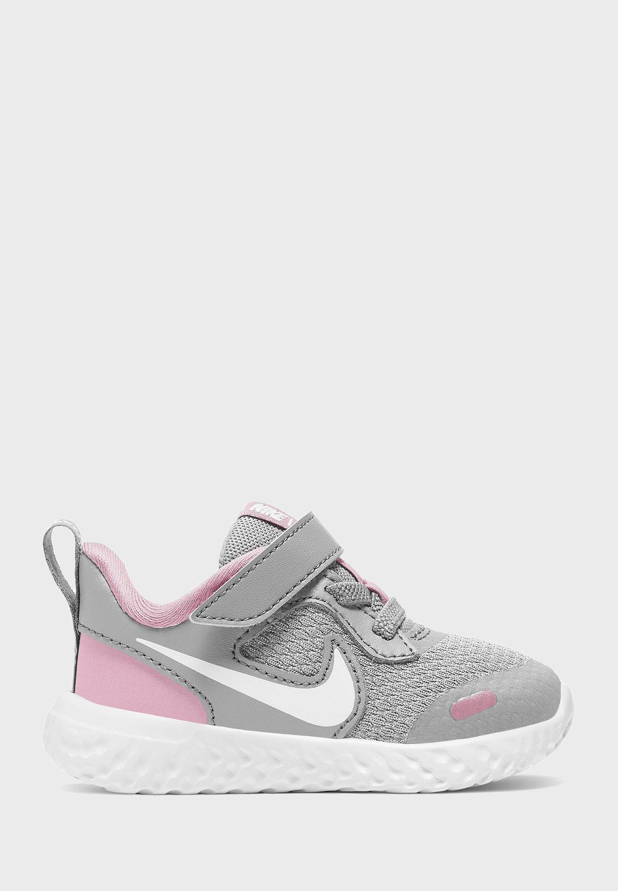 حذاء ريفلوشن 5