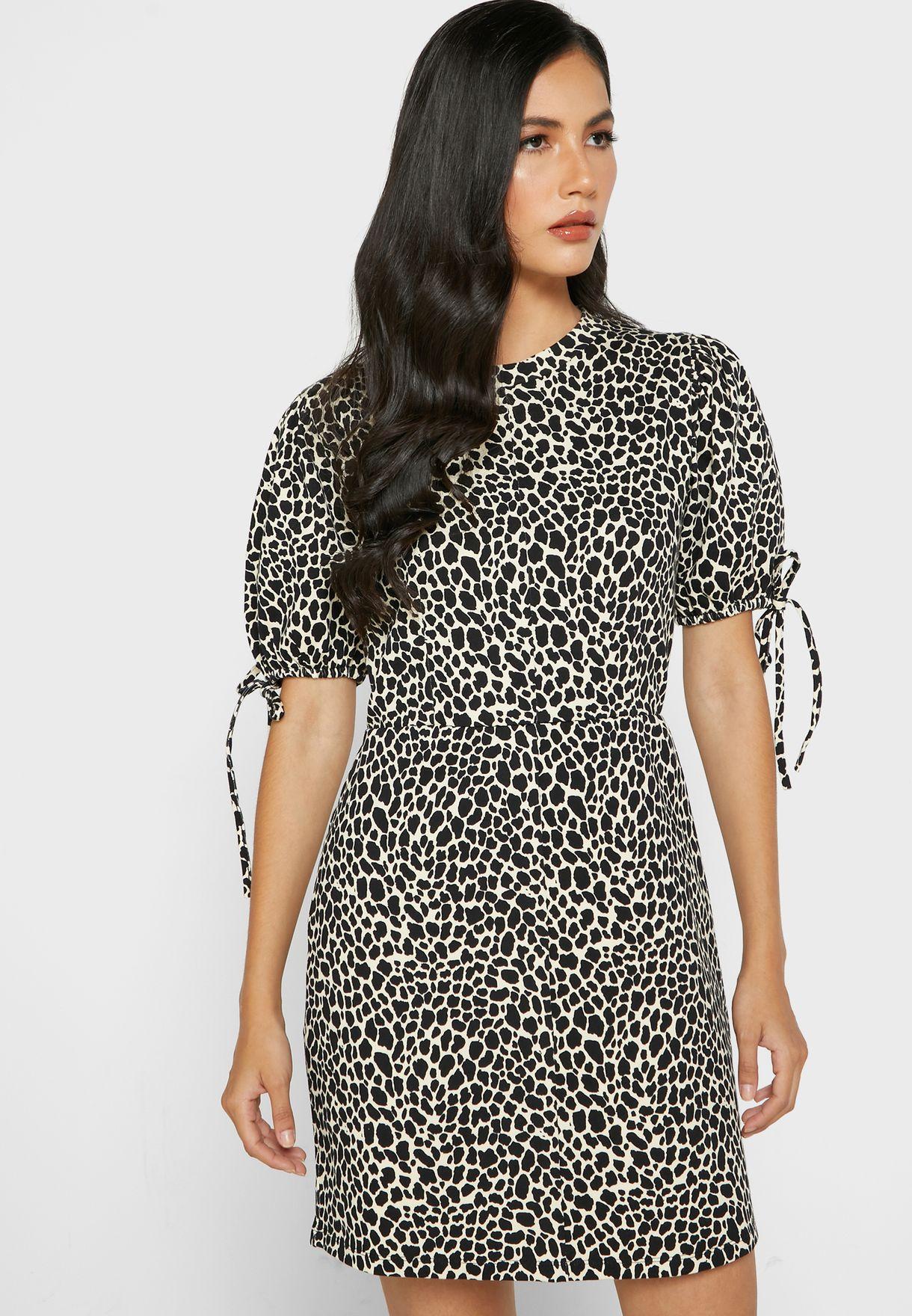 فستان بطباعة جلد حيوان