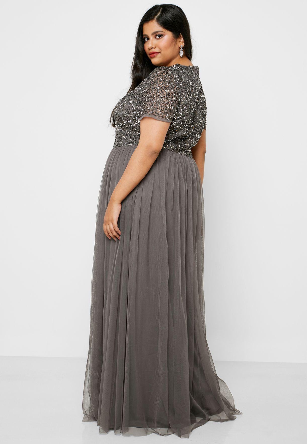 فستان مكسي مزين بالترتر