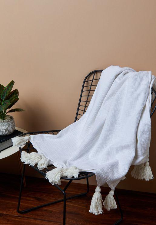بطانية كبيرة مزينة بشراشيب
