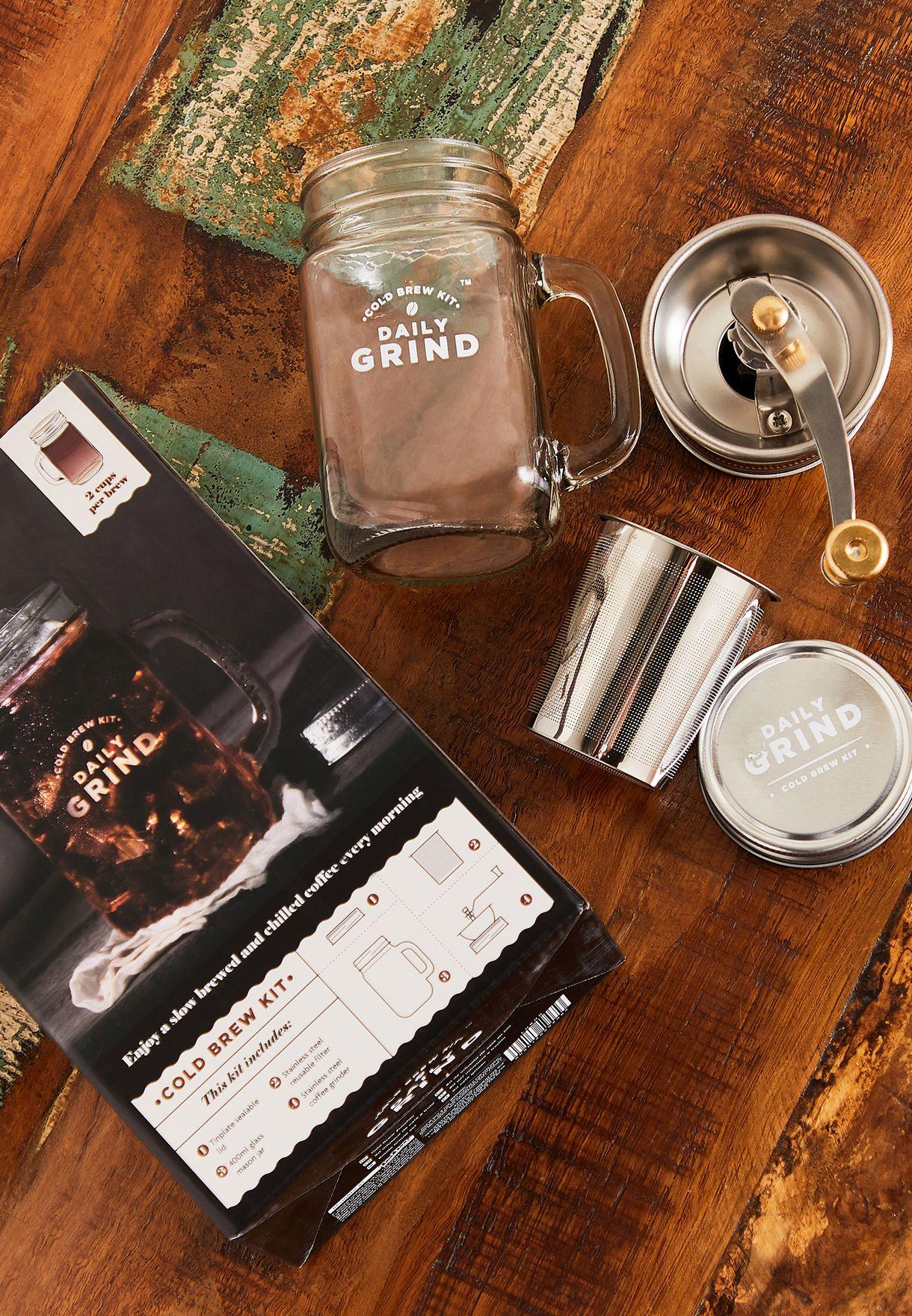 طاحونة قهوة مع مج