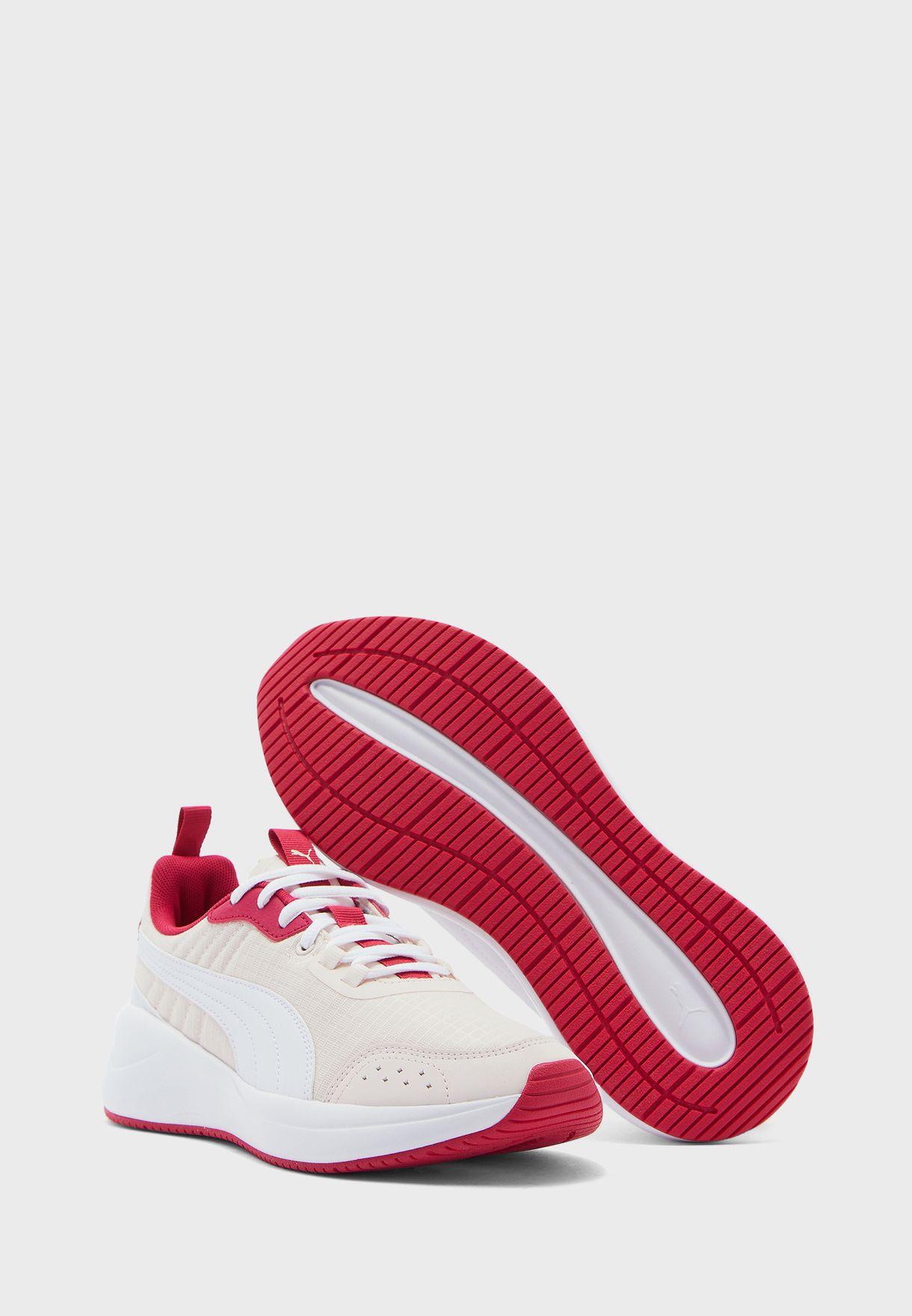 حذاء نواج رن