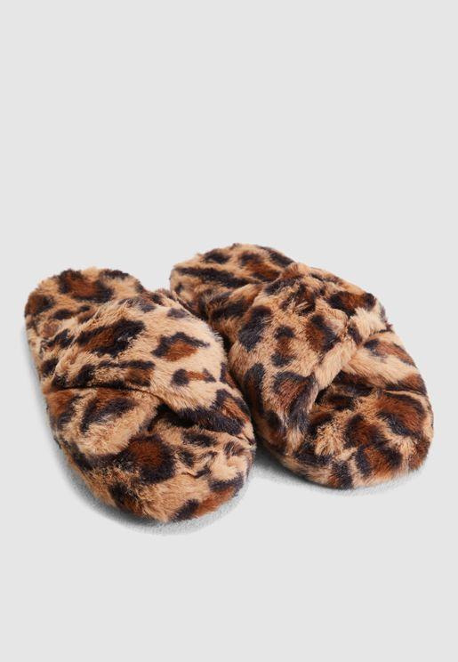 Cross Over Mule Slippers In Leopard Print