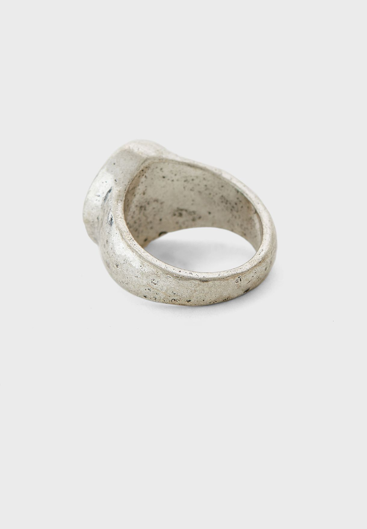 خاتم معدني دائري