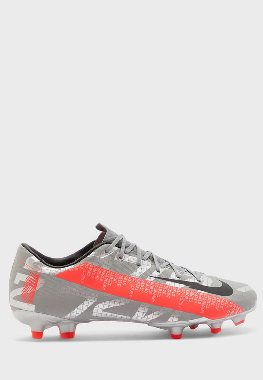 حذاء فابور 13 اكاديمي
