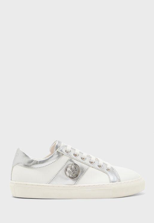 حذاء سنيكرز باجزاء ميتاليك