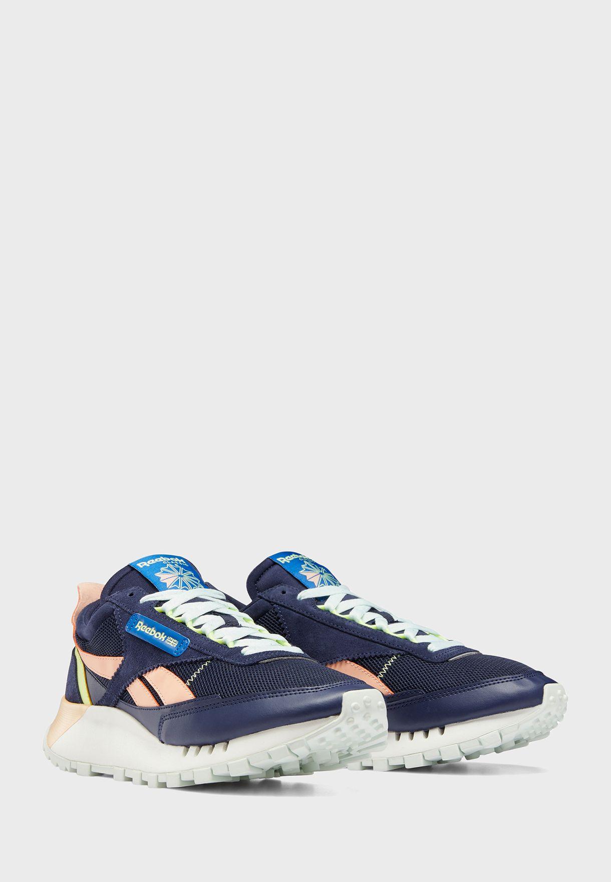 حذاء سي ال ليجاسي