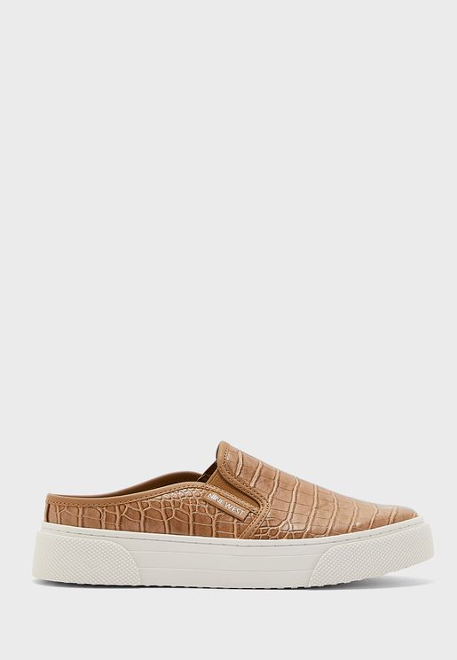 Hayzel3 Textured Low-Top Sneakers