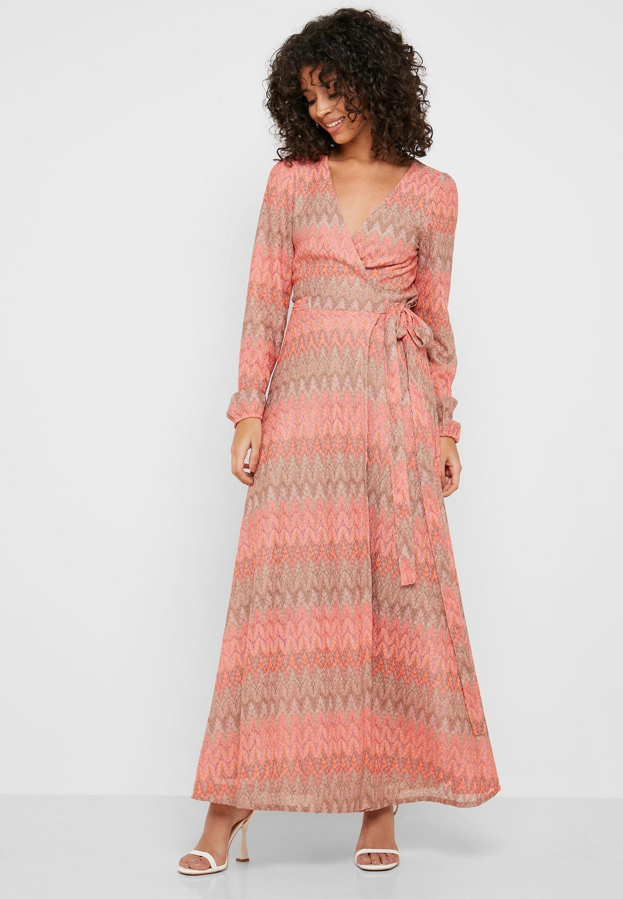 فستان مكسي بنمط لف مع طبعات واربطة