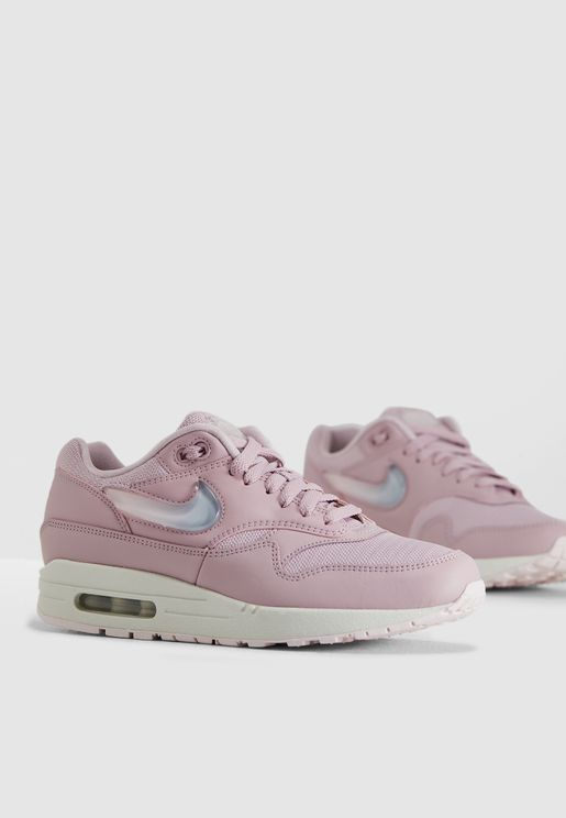 3f10bd3a16d0 Nike Luxury Sneakers for Women and Men