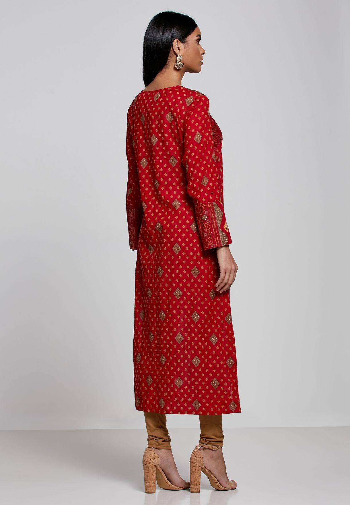 طقم (كورتي بنمط فستان + بنطال )