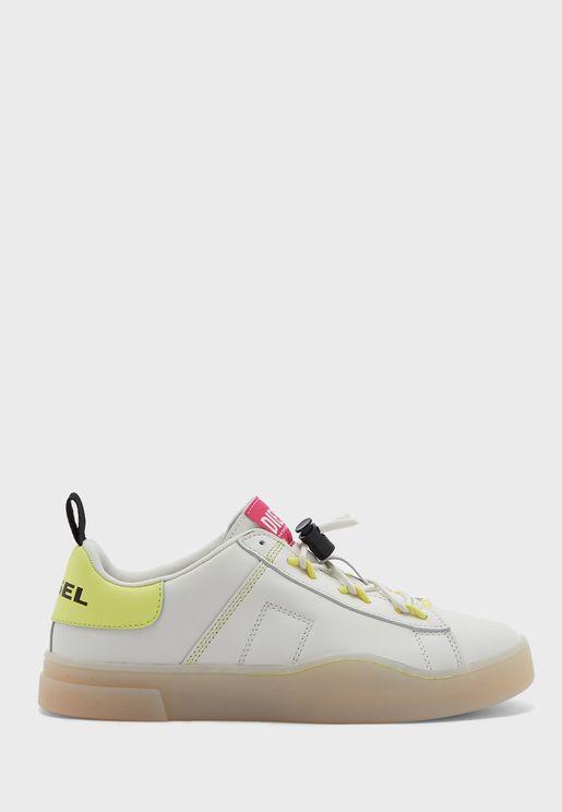 Clever Low Top Sneaker
