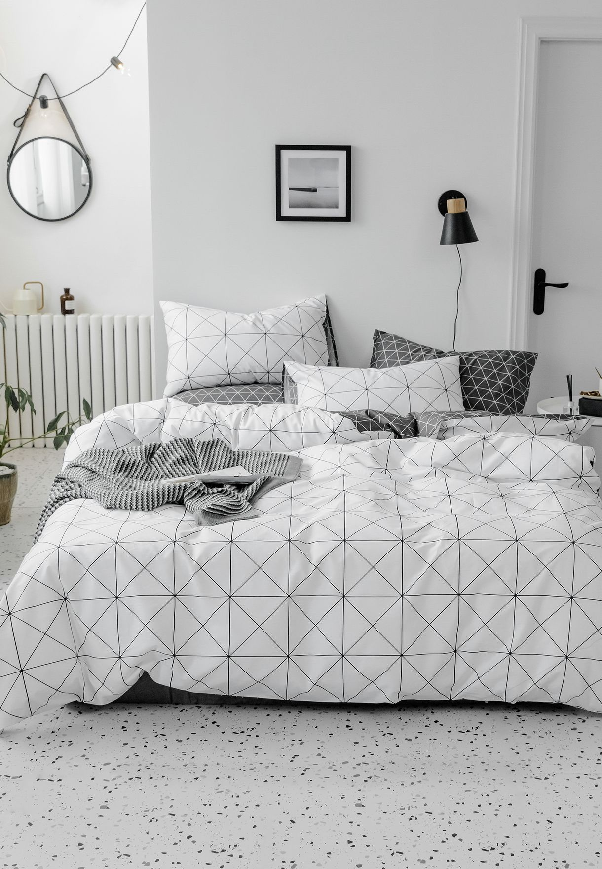 Geometric Print Bedding Set - King 200 x 230cm