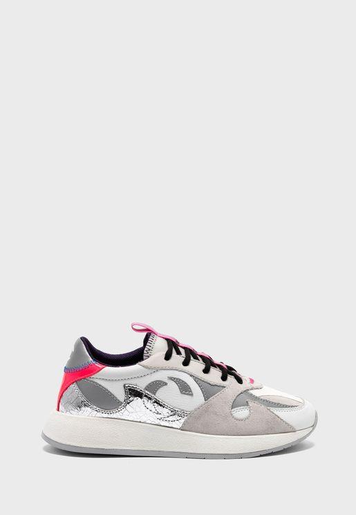 Extra Light Low Top Sneaker
