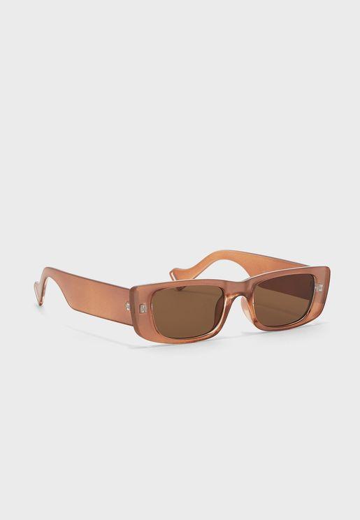 نظارة شمسية باذرع عريضة