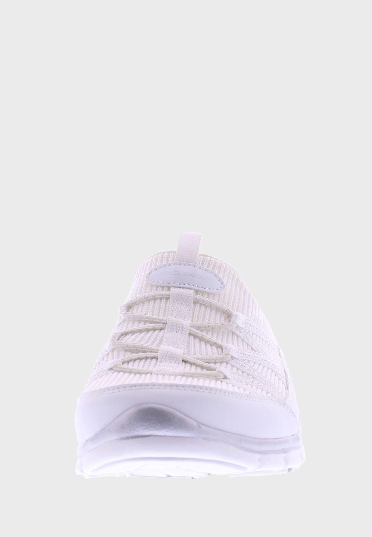 حذاء جراتيس