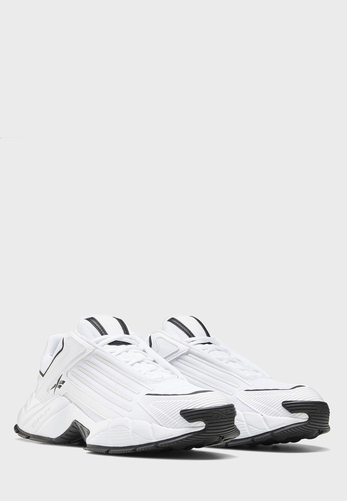 حذاء دي ام اكس سيريز 3000