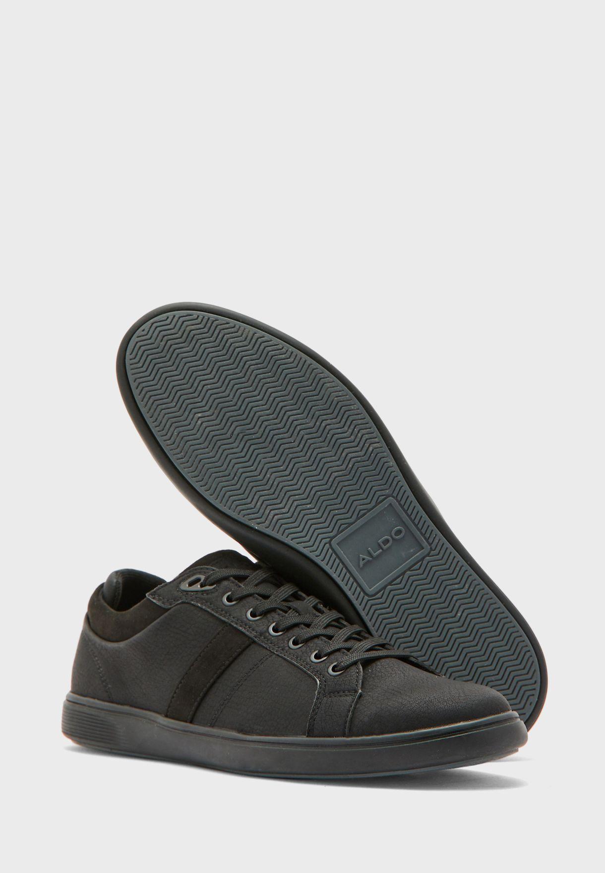حذاء سنيكرز بكاحل منخفض